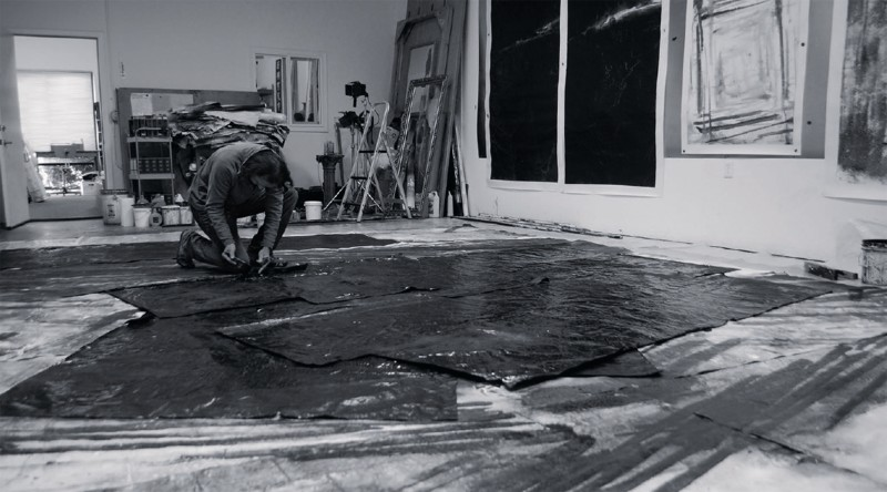 Zheng Chongbin in his studio, at work on Field of Lines No. 1线场 1号, 2013 (plate 43), February 18, 2013.