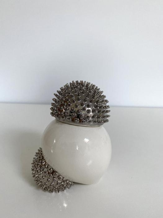 Ikuko Iwamoto, Sea urchin container - silver, 2021