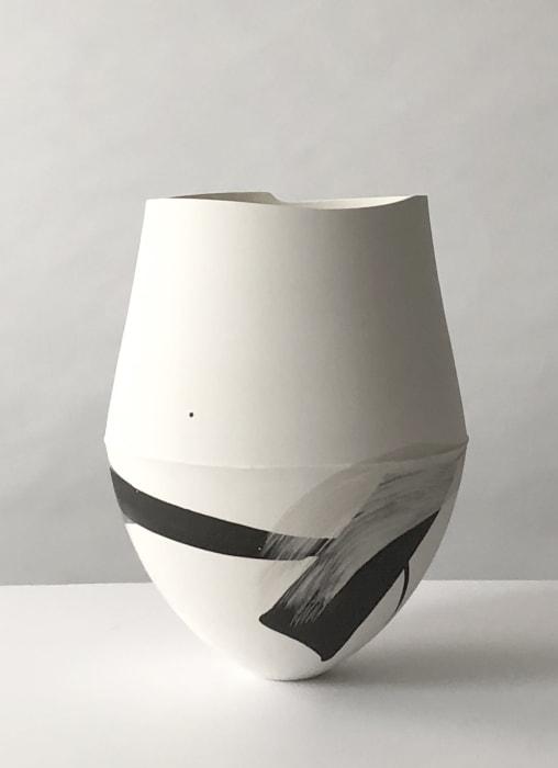 Hannah Tounsend, Small Elliptoid Hybrid Vessel, 2021