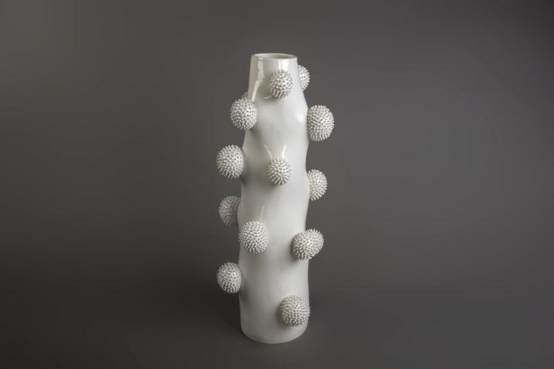 Ikuko Iwamoto, Tall Pofu Pofu Vase, 2021