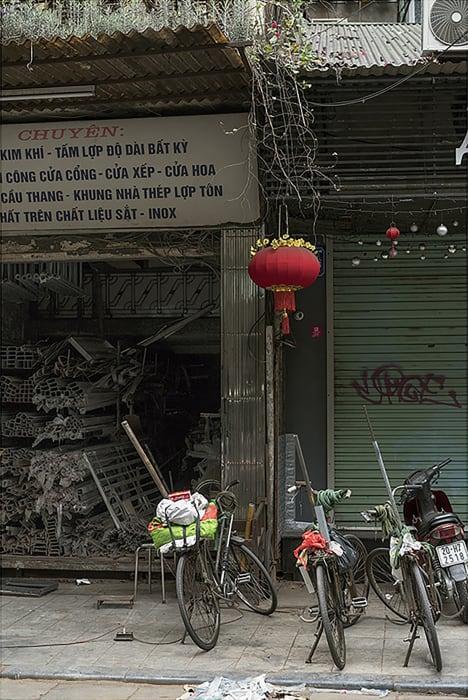 Garie Waltzer, Hanoi/Red Lantern, 2019/2021