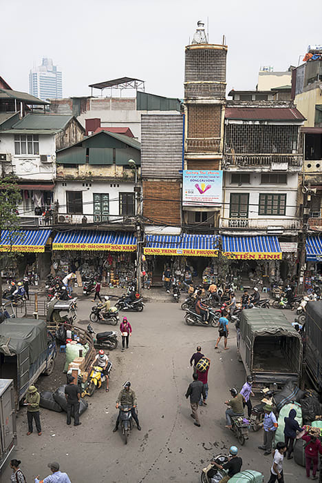 Garie Waltzer, Hanoi/Dong Xuan Market #1, 2017/2019