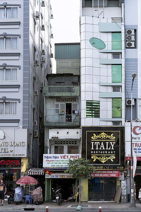 Garie Waltzer, HCMC/Italy Restaurant/Ellipse, 2019/2021