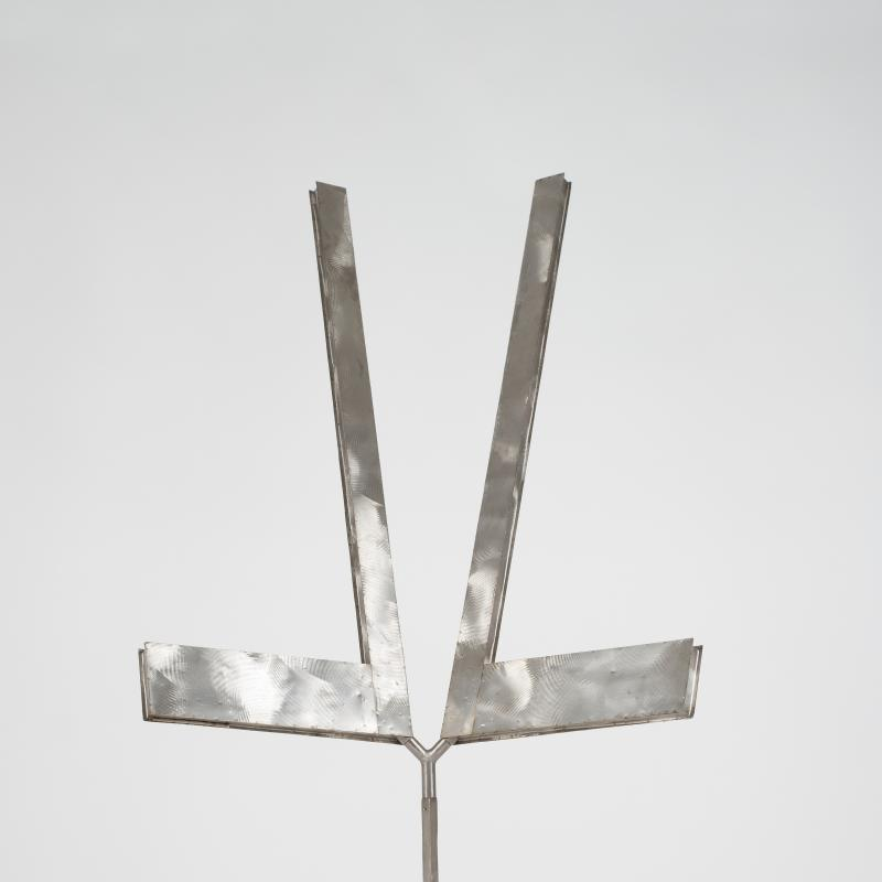 George RIckey, Double L Excentric Gyratory III, 1982-83