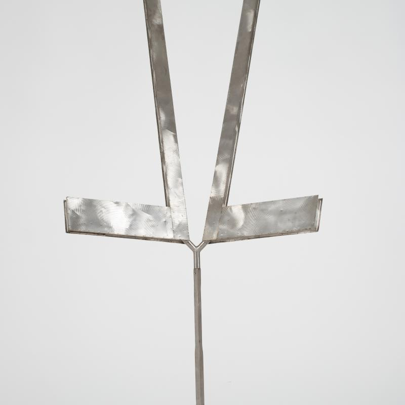 George RIckey, Double L Excentric Gyratory III, 1981-82