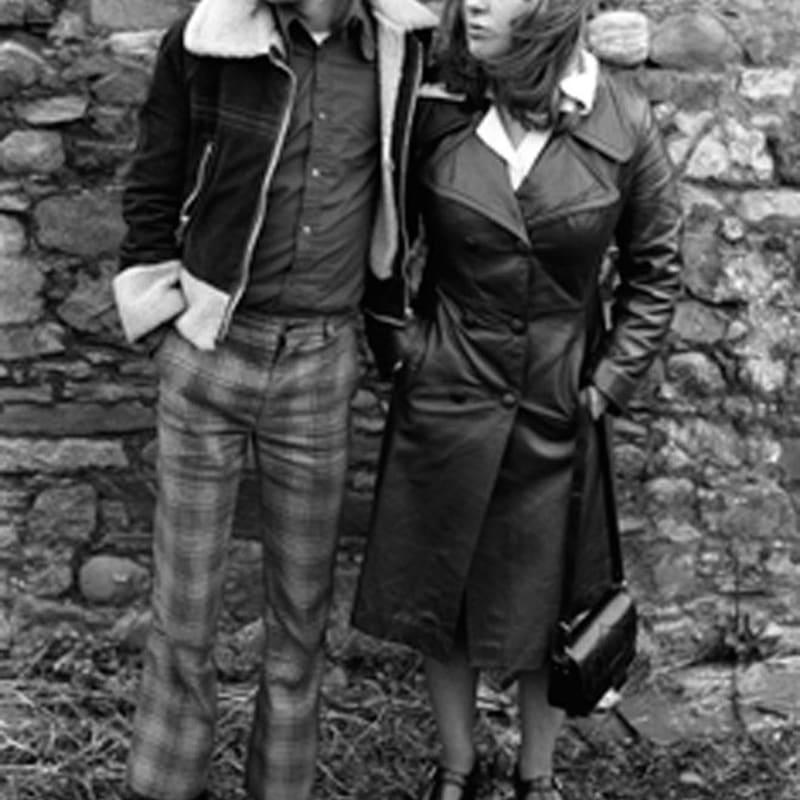 Homer Sykes Margaret and Barry Kirkbride, Workington, Cumbria Tirage gelatino-argentique d'époque, réalisé par Gerry Grove of Grove Hardy 23 x 15,4 cm Dim. papier: 30,6 x 24 cm