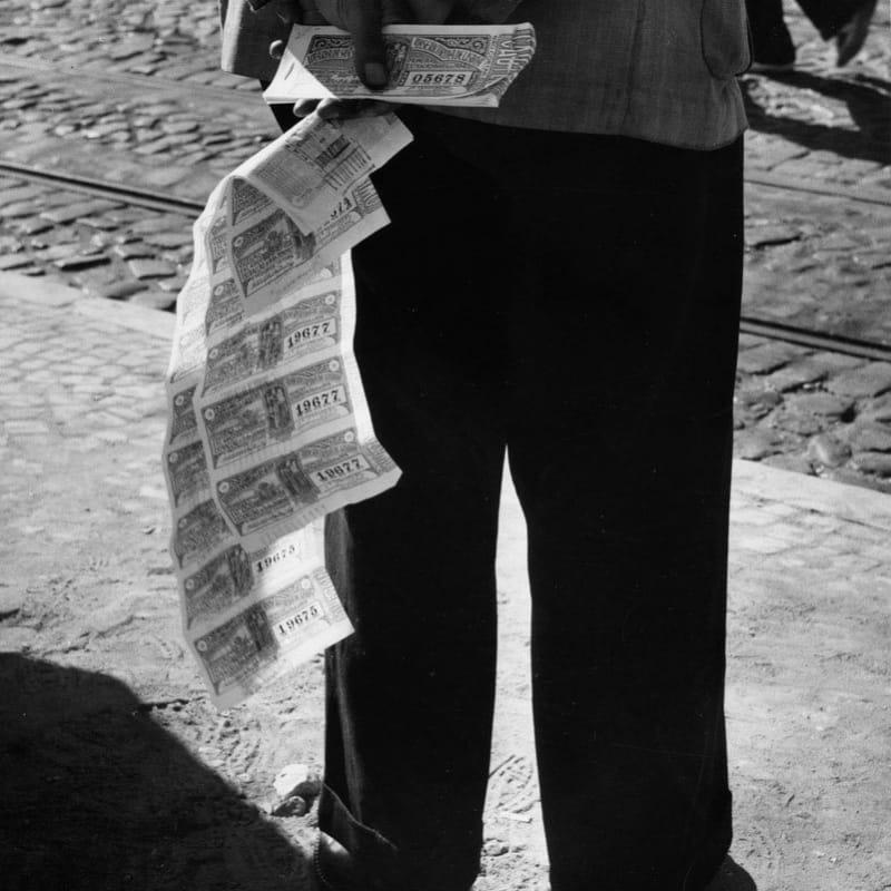 Sabine Weiss Portugal Tirage gélatino-argentique d'époque, réalisé par l'artiste 19 x 24 cm Dim. papier: 19 x 24 cm
