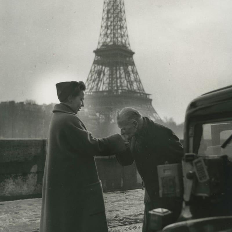 Sabine Weiss Vieux russe, chauffeur de taxi, Paris Tirage gélatino-argentique d'époque réalisé par l'artiste 23,8 x 30,1 cm Dim. papier: 23,8 x 30,1 cm