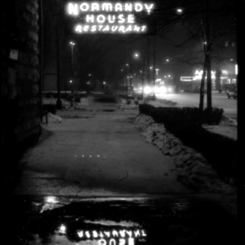 Vivian Maier Chicago, IL Tirage gélatino-argentique, posthume 25 x 37,7 cm Dim. papier: 40 x 50 cm