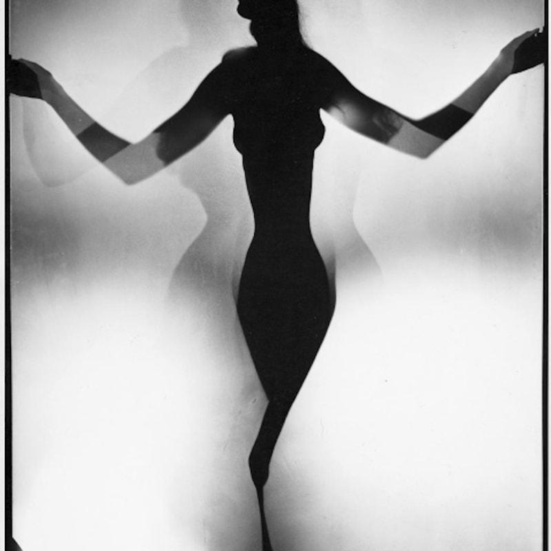 Erwin Blumenfeld Untitled Tirage gélatino-argentique d'époque, réalisé par l'artiste 35,2 x 28 cm Dim. papier: 35,2 x 28 cm