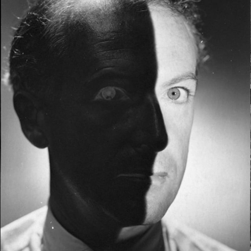 Erwin Blumenfeld Cecil Beaton Tirage gélatino-argentique d'époque, réalisé par l'artiste 33 x 24,2 cm Dim. papier: 33 x 24,2 cm