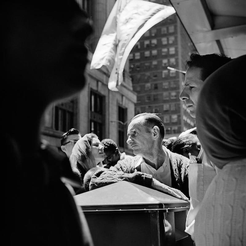 Vivian Maier Chicago, IL Tirage gélatino-argentique, posthume 30,4 x 30,4 cm Dim. papier: 40,6 x 50,8 cm