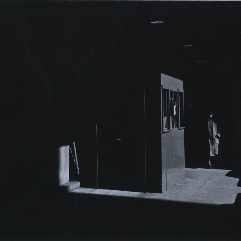 Ray K. Metzker Philadelphia Tirage gélatino-argentique d'époque, réalisé par l'artiste 15,1 x 22,2 cm Dim. papier: 20,3 x 25,4 cm