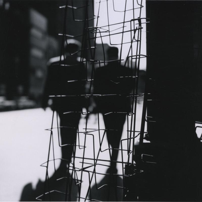 Ray K. Metzker Chicago Tirage gélatino-argentique d'époque, réalisé par l'artiste 18,9 x 18,5 cm Dim. papier: 20,3 x 25,4 cm