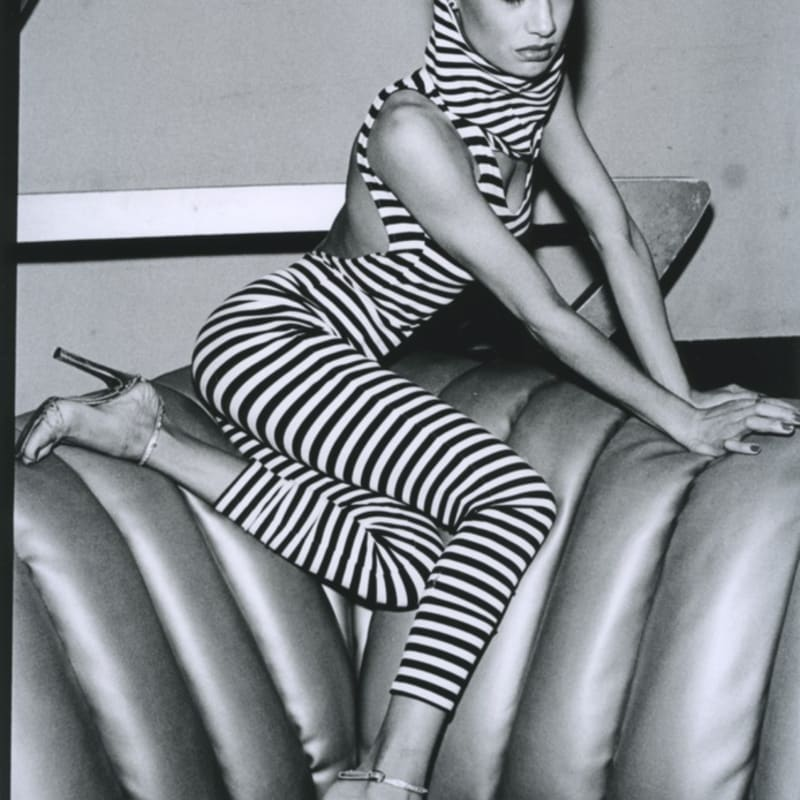 Arlene Gottfried Striped woman at Studio 54, New York Tirage gélatino-argentique 20,2 x 30,2 cm Dim. papier: 27,6 x 35,3 cm