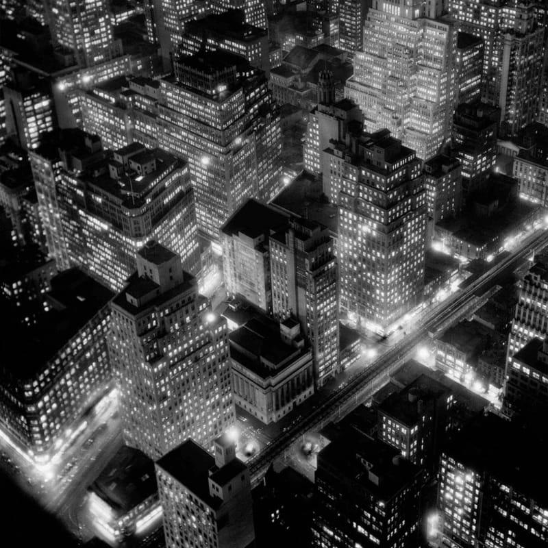 Berenice Abbott Nightview, New York Tirage gélatino-argentique postérieur 26,4 x 34 cm Dim. papier: 40 x 50 cm