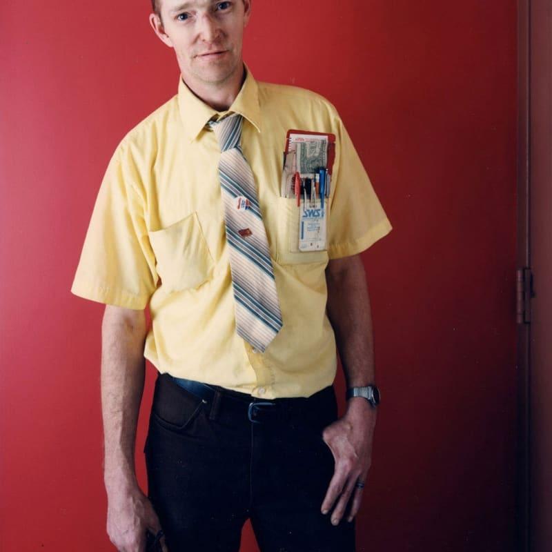 Bruce Wrighton Man with Pocket Pens, Binghamton, NY Tirage C-print d'époque 20 x 25 cm Dim. papier: 20 x 25 cm