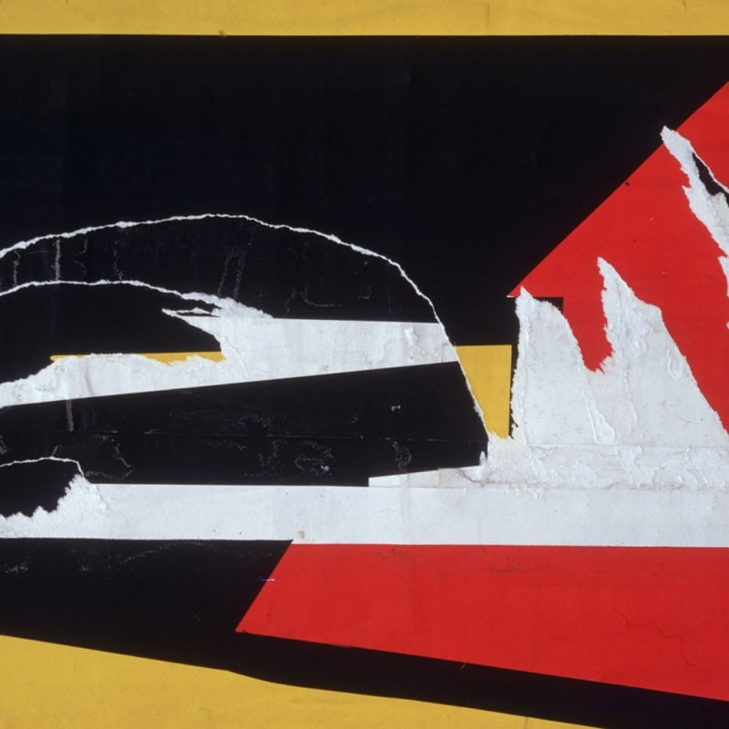 Ernst Haas Torn Poster I, Wave, NYC Tirage chromogène posthume 43,9 x 66 cm Dim. papier: 50,2 x 76 cm