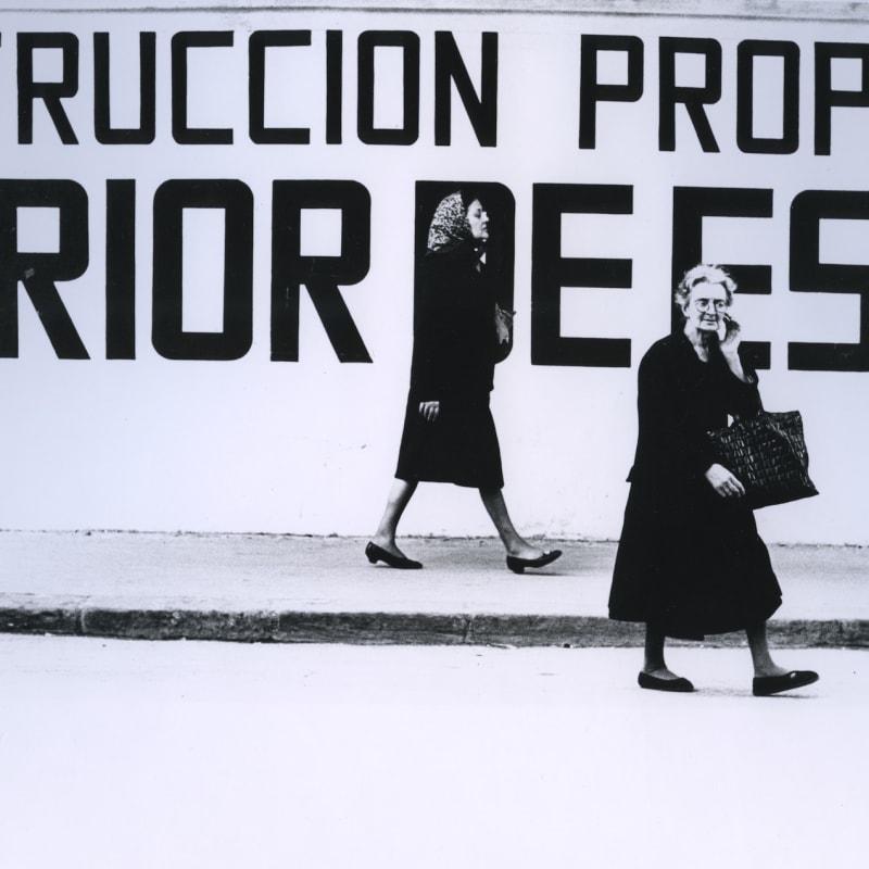 Ray K. Metzker Valencia, Spain Tirage gélatino-argentique d'époque, réalisé par l'artiste 17,9 x 22,5 cm Dim. papier: 20,3 x 25,4 cm