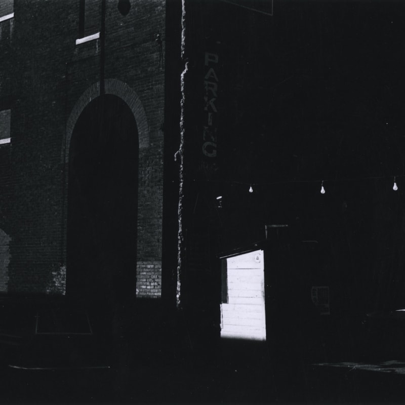 Ray K. Metzker Philadelphia Tirage gélatino-argentique d'époque, réalisé par l'artiste 15,5 x 22,6 cm Dim. papier: 20,3 x 25,4 cm