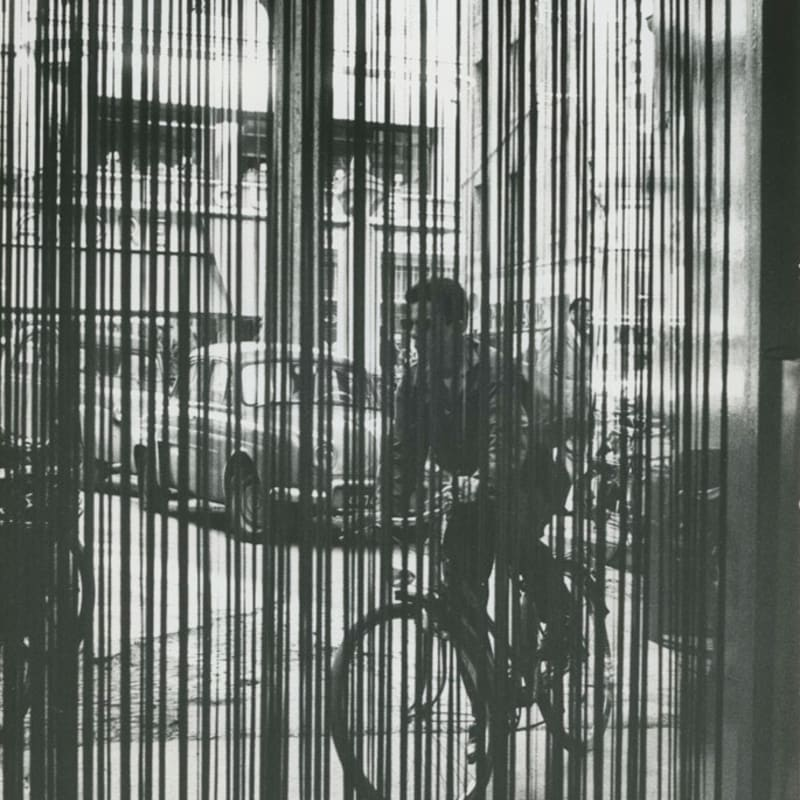 Sabine Weiss Avignon Tirage gélatino-argentique d'époque réalisé par l'artiste 29 x 19 cm Dim. papier: 29 x 19 cm
