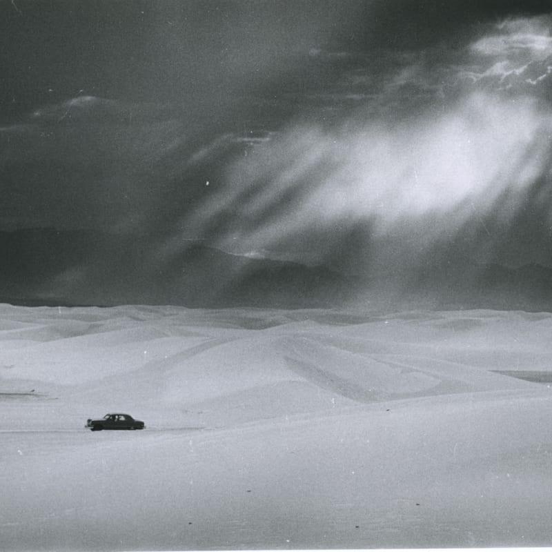 Ernst Haas White Sands, New Mexico Tirage gélatino-argentique d'époque 30,5 x 20,8 cm Dim. papier: 30,5 x 20,8 cm