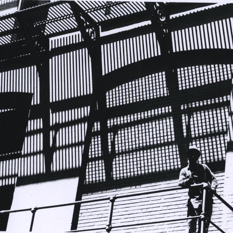 Ray K. Metzker Philadelphia Tirage gélatino-argentique d'époque, réalisé par l'artiste 12 x 17,8 cm Dim. papier: 20,3 x 25,4 cm