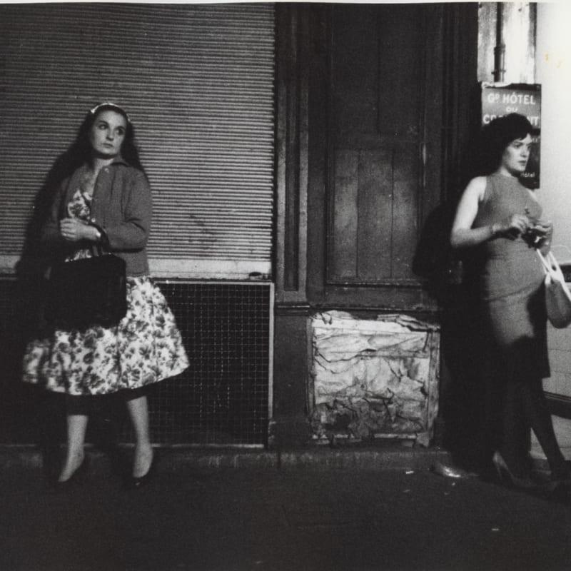 Marvin E. Newman Prostitution Series, Rue Saint Denis, Paris Tirage gélatino-argentique d'époque 19 x 24 cm Dim. papier: 20 x 25 cm