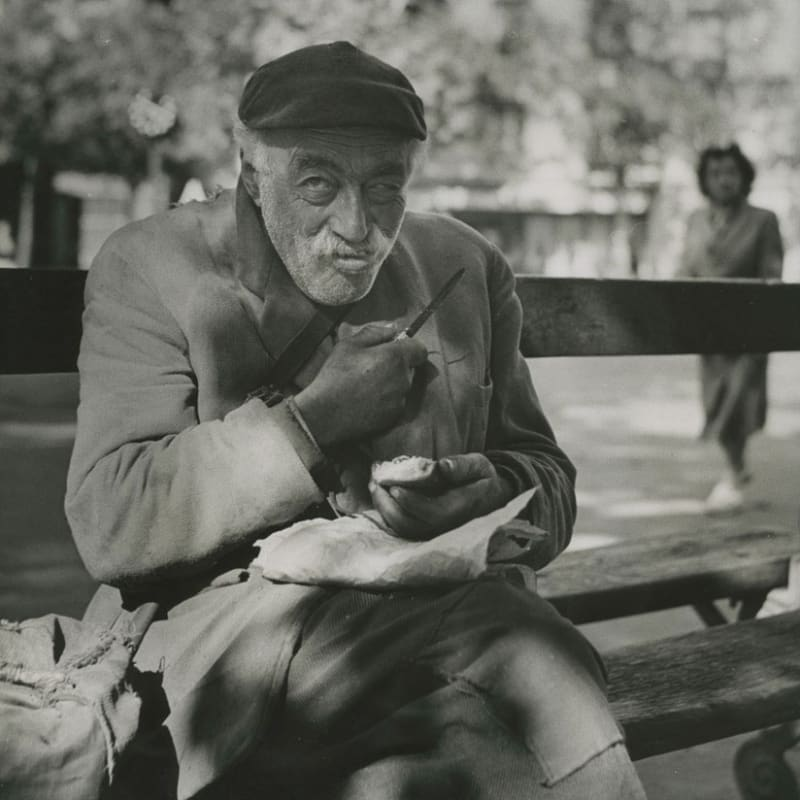 Sabine Weiss Paris Tirage gélatino-argentique d'époque réalisé par l'artiste 25 x 23 cm Dim. papier: 25 x 23 cm
