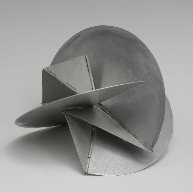 Lygia Clark Bicho 'Em Si' sculpture en aluminium 20 x 22 x 15 cm (disponible) 9 by 12 3/4 in. (available)
