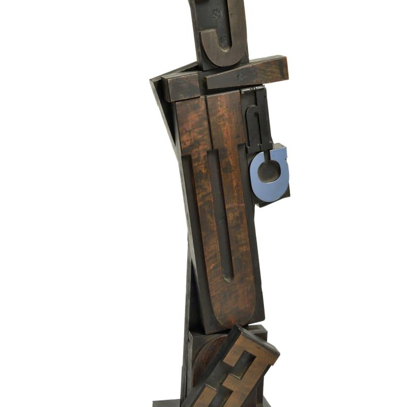 Paul-Armand Gette Totem de lettres Assemblage de lettres en bois 53 x 9,2 x 16 cm
