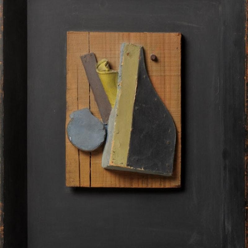 Kurt Schwitters Ohne Titel (Merzrelief Blau, Beige) Relief, huile, bois, plâtre et fer-blanc sur panneau de bois 24.7 x 18,5 cm