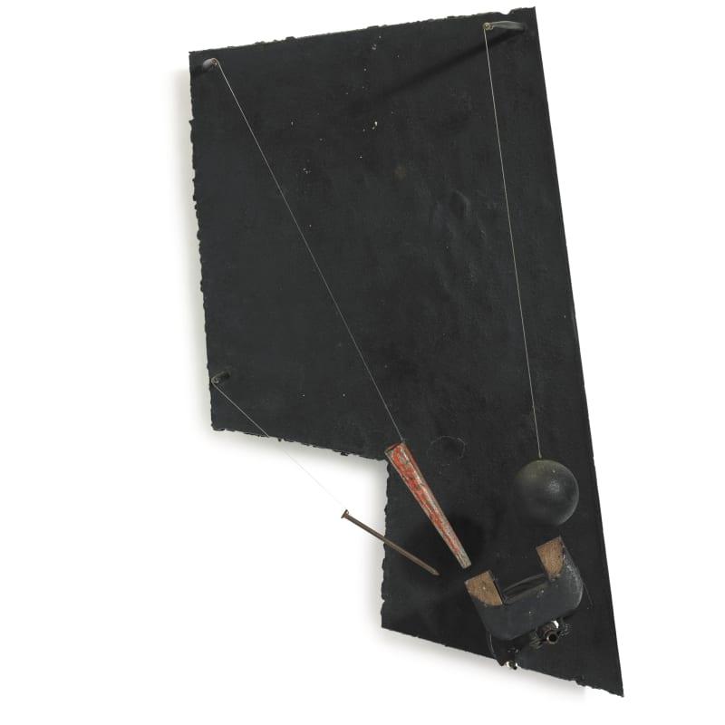 Vassilakis Takis Télésculpture Métal peint, bois, clous, fil de fer et magnets 53.3 x 29.2 x 21 cm 21 x 11 ½ x 8 ¼ in