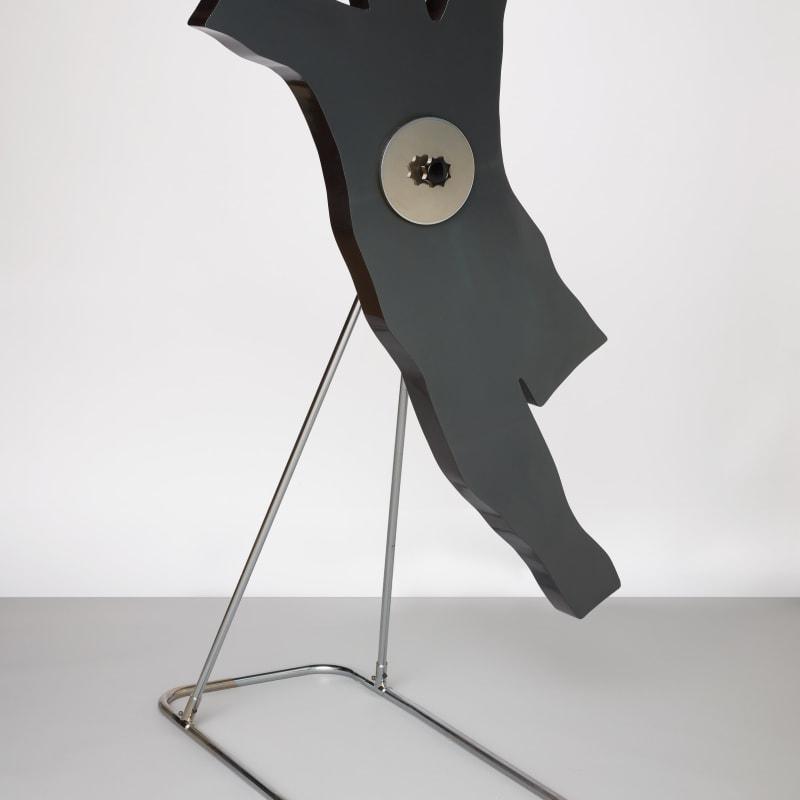 Kiki Kogelnik George Fibre de verre, acier chromé, et technique mixte 162,9 x 97,5 x 114 cm 64 1/8 x 38 3/8 x 44 7/8 in.