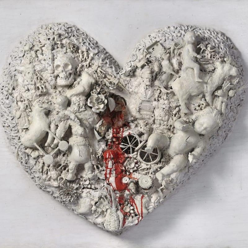 Niki De Saint Phalle Coeur (Heart N°1) peinture, plâtre, grillage et objets divers sur bois 90 x 123 x 30 cm (disponible) 90 x 123 x 30 cm (available)