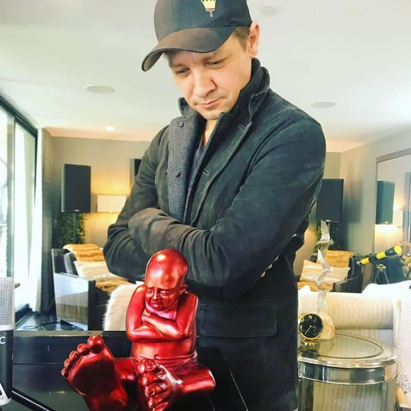 Jeremy Renner (The Avengers) with Babyfoot