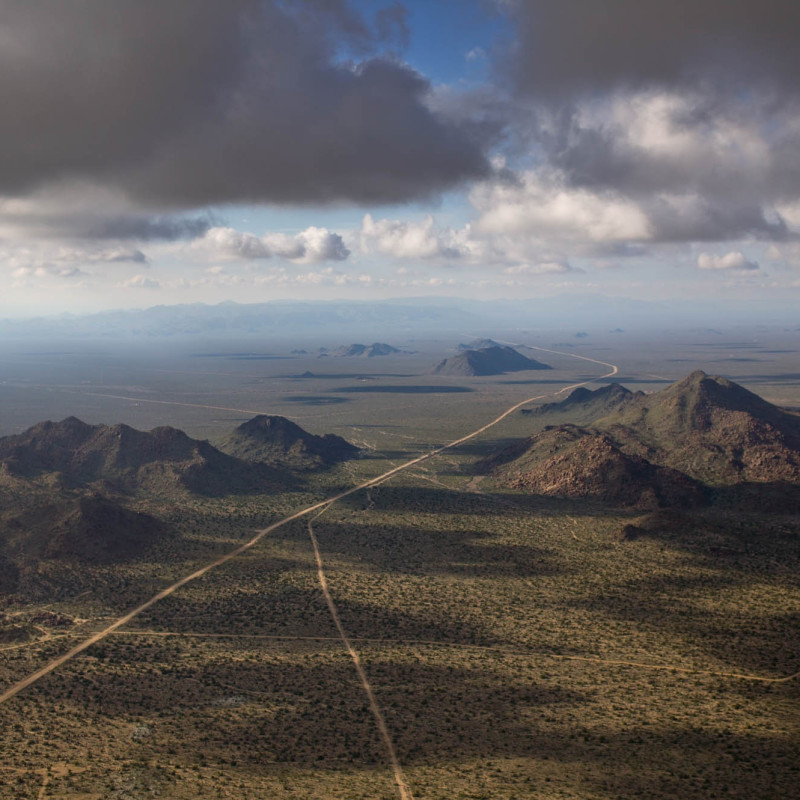 <div class=&#34;artist&#34;><strong>Alex Maclean</strong></div><div class=&#34;title_and_year&#34;><em>DESERT PASSAGE, MOHAVE COUNTY, ARIZONA, USA</em>, 2005</div><div class=&#34;signed_and_dated&#34;>SIGNED, FIXED WITH PHOTOGRAPHERS EDITION LABEL AND NUMBERED ON REVERSE OF MOUNT</div><div class=&#34;medium&#34;>DIGITAL C-TYPE PRINT</div><div class=&#34;dimensions&#34;>PRINTED ON 24 X 30 INCH PAPER</div><div class=&#34;edition_details&#34;>FROM AN EDITION OF 9</div>