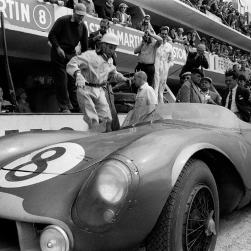 STIRLING MOSS, ASTON MARTIN PITS, LE MANS, 1958