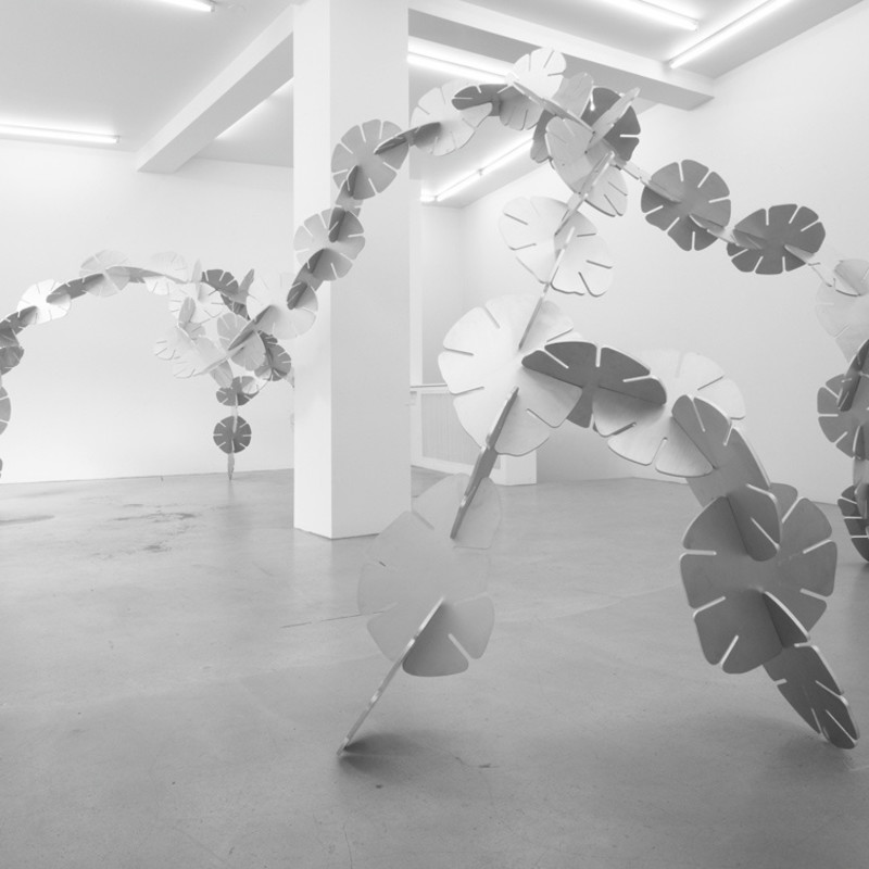 ERNESTO NETO, Just... tick tack, bending the narrative, 2008