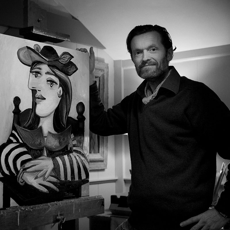 Artist Renssen in action