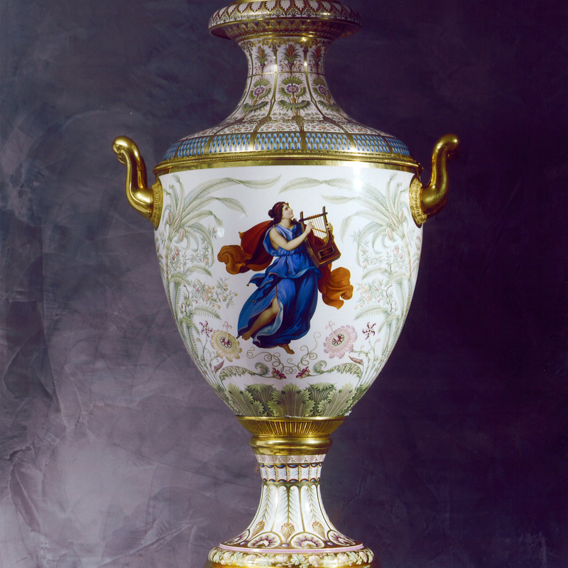 K.P.M. Königliche Porzellan-Manufaktur, Berlin - A Classical Munich Vase Sorte No 4, made by the Royal Berlin Porcelain Manufactory, Berlin, date circa 1840