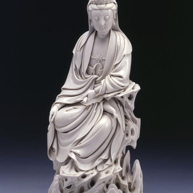 Dehua - Aseventeenth century Dehua Blanc de Chine figure of Guanyin, Dehua, seventeenth century, late Ming or early Qing dynasty