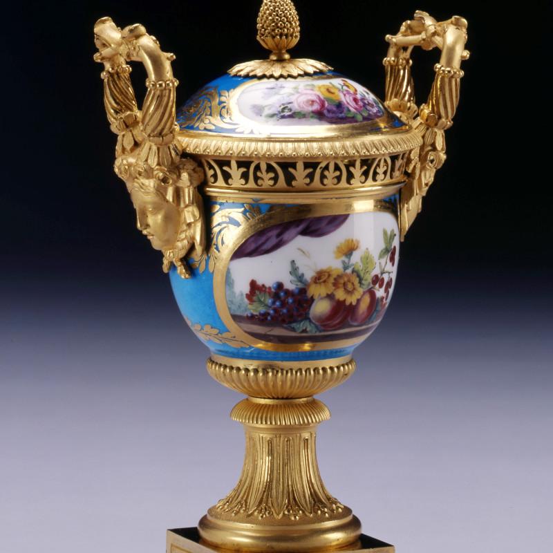 Sèvres - A Louis XVI Sèvres vase and cover gilded by Étienne-Henri Le Guay , Sèvres, Paris, date circa 1780