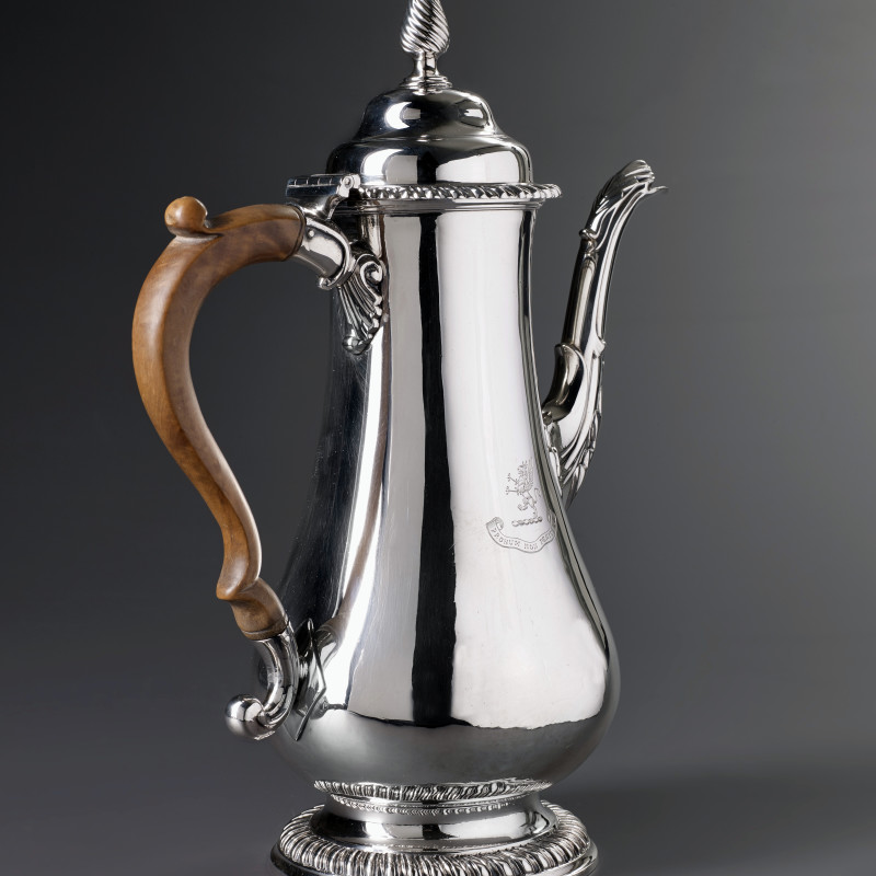 William Tuite - A George III coffee-pot by William Tuite, London, 1772
