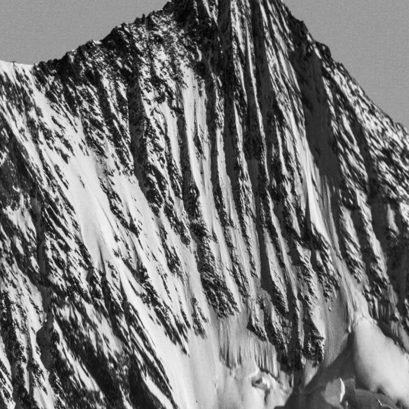 《群峰》局部,摄影及综合艺术手段  Peaks (part), photography, Mixed media