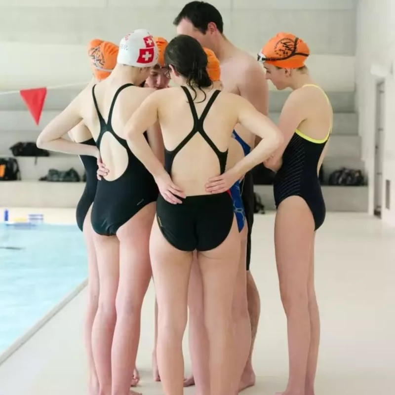 苏杰浩 Su Jiehao, 年轻的游泳者和她们的教练 2016 Young Swimmers and Their Coach 2016