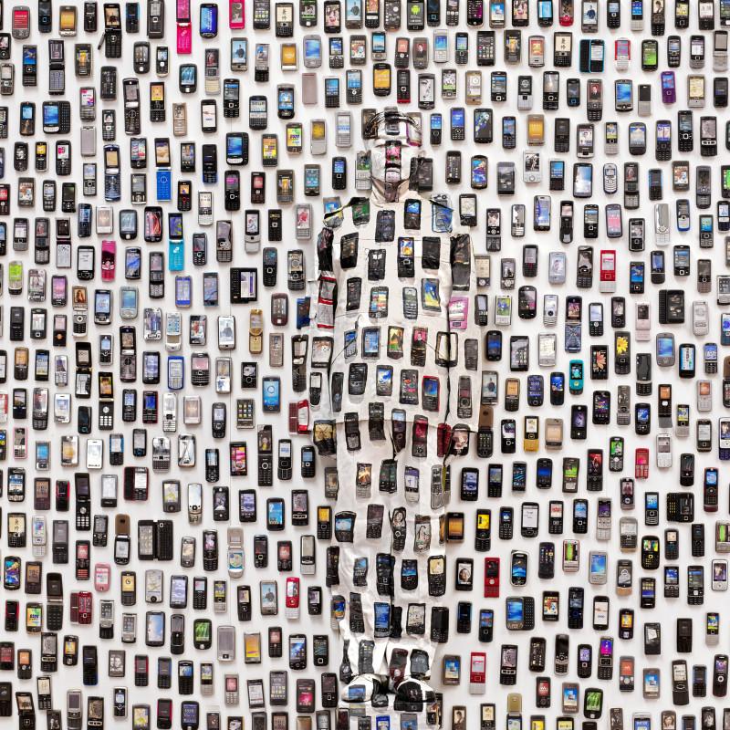 刘勃麟 Liu Bolin,手机 Mobile Phone, 2012 ,数字微喷 Inkjet Print,150×112.5cm