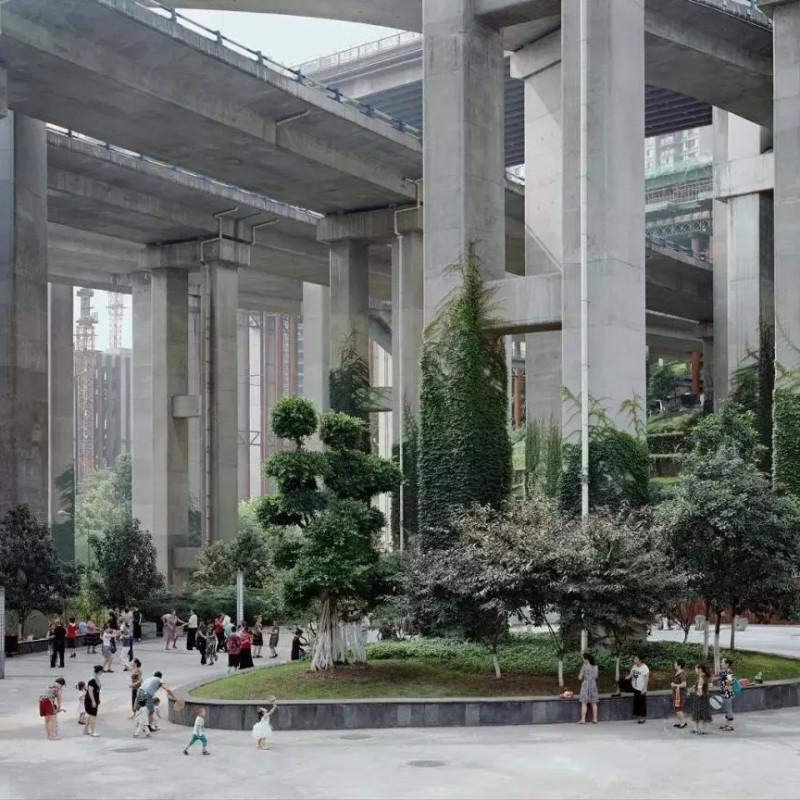王岩,《鹅公岩公园,重庆,中国》,出自《森林》系列,2017