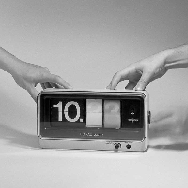 《将计时仪器器变成摄影工具的一次改装》 Adaptation of a Time Measuring Device into a Photographic Apparatus 2015
