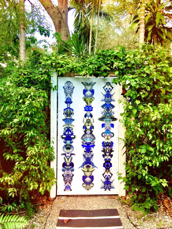 Carlos Betancourt, FRONT GATE Amulets for Light, 2017